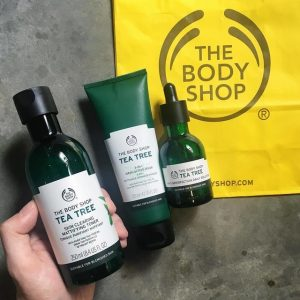Nước cân bằng da trị mụn The Body Shop Tea Tree Skin Clearing Mattifying Toner 250ml