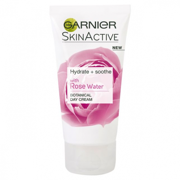 Kem Dưỡng Garnier Natural Rose Water Moisturiser Sensitive Skin 50ml