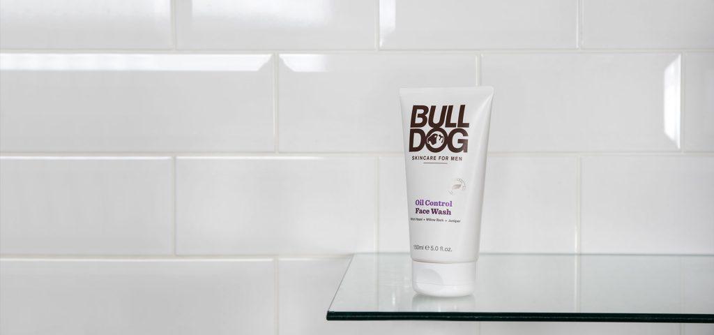 Sữa Rửa Mặt Bulldog Oil Control Face Wash Cho Nam Da Dầu 150ml