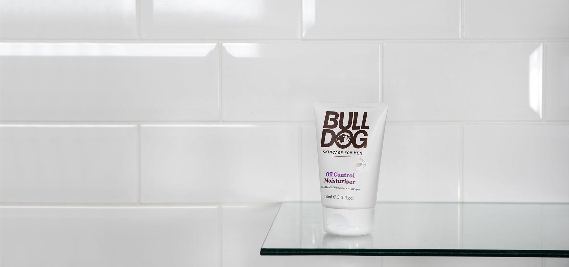Kem Dưỡng Ẩm Bulldog Oil Control Moisturiser 100ml Cho Nam Da Dầu