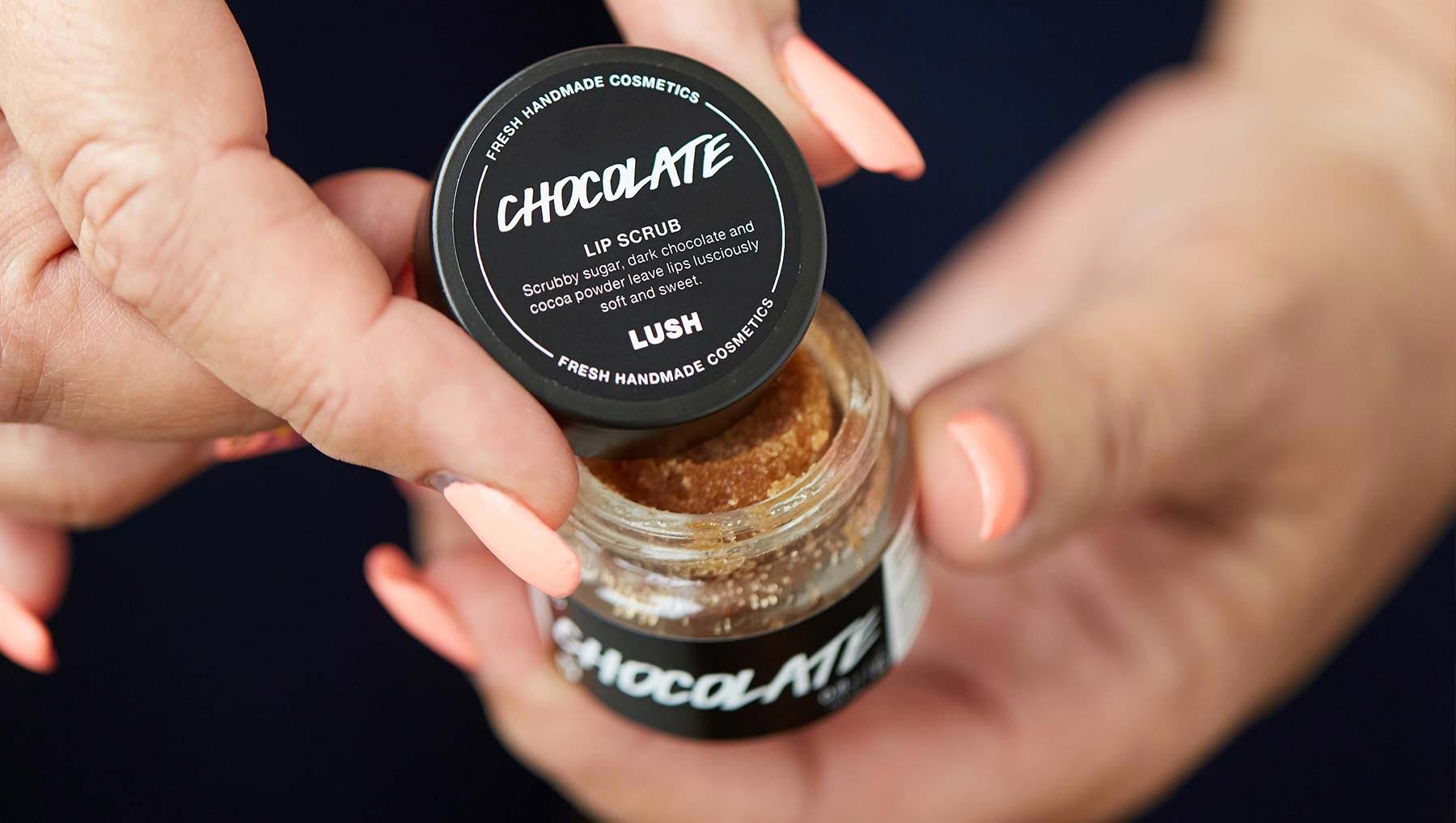 Tẩy Da Chết Môi Lush Chocolate